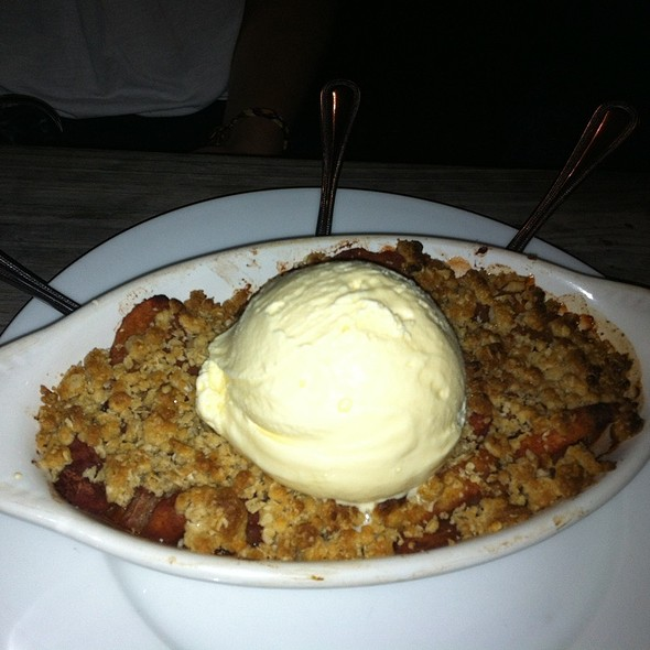 Baked Apple Rhubarb Crumble @ The Marlay House