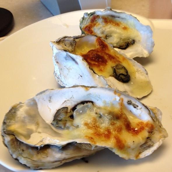 Oysters Rockefeller @ Vikings Luxury Buffet