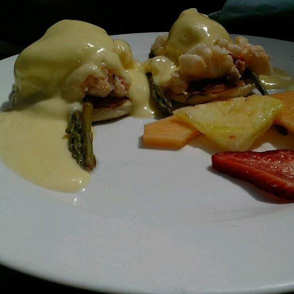 Florida Lobster Eggs Benedict @ Blue Heaven Restaurant