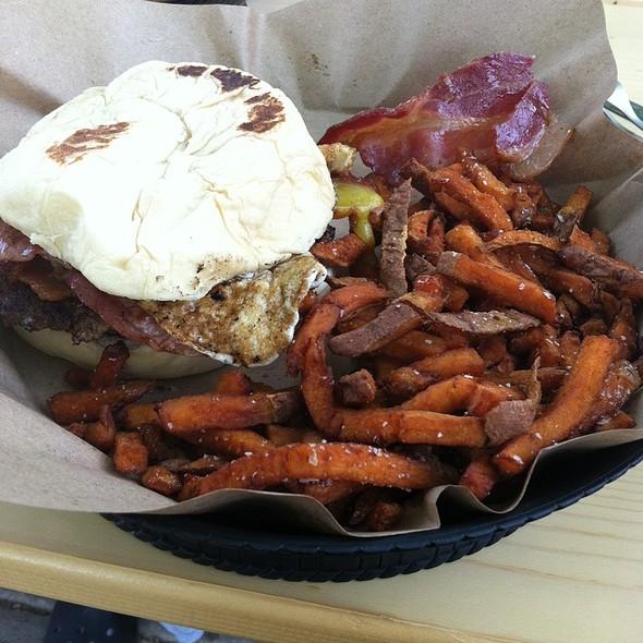 The Farm Burger @ The Pharmacy Burger