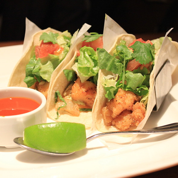 fish tacos @ Joey Don Mills Grill