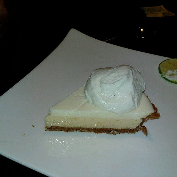 Key Lime Pie W Vanilla Bean Ice Cream