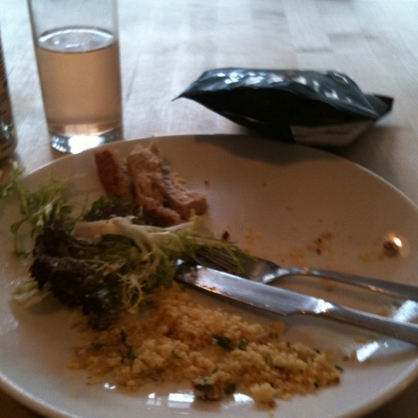 Hummus And Sundried Tomato Sandwich @ Gusto And Relish