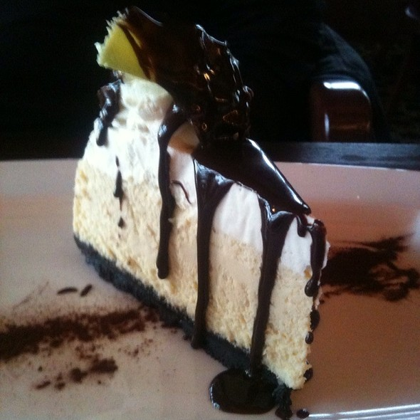 Bailey's Cheesecake - The Wayfarer Restaurant and Lounge, Cannon Beach, OR