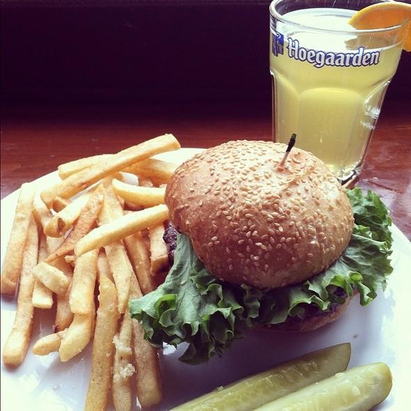 Spicy Guacamole Burger @ Burgers & Brew