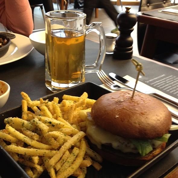 Hamburger @ Okulun Mutfagi