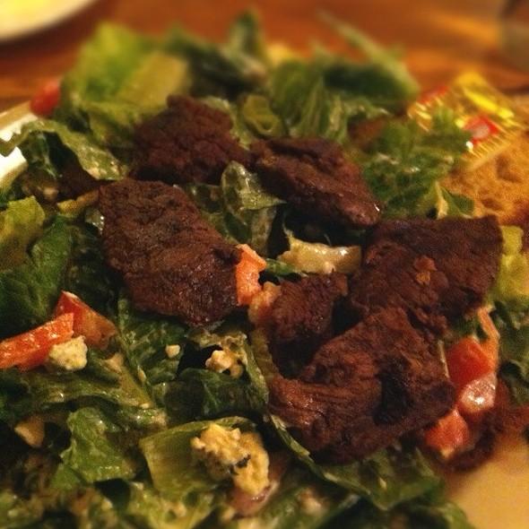 Black N Blue Pub Salad @ Dick O'Dow's