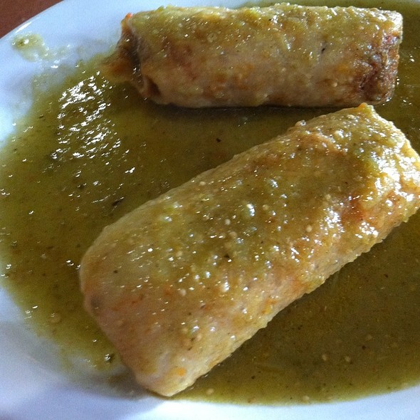 Chicken Tamales In Green Chili Sauce