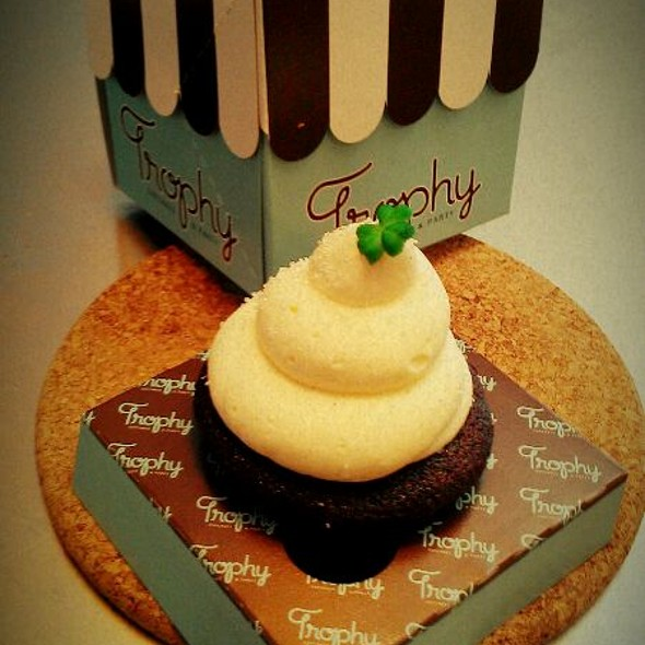 Guinness Cupcake @ Trophy Cupcakes