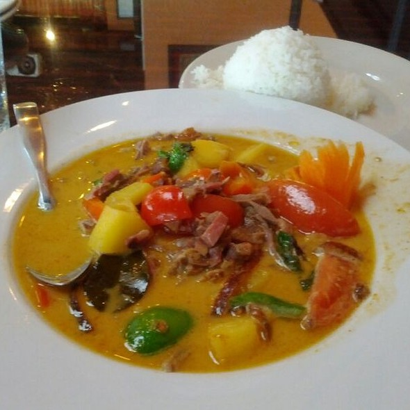 Duck Red Curry @ Tasty Thai