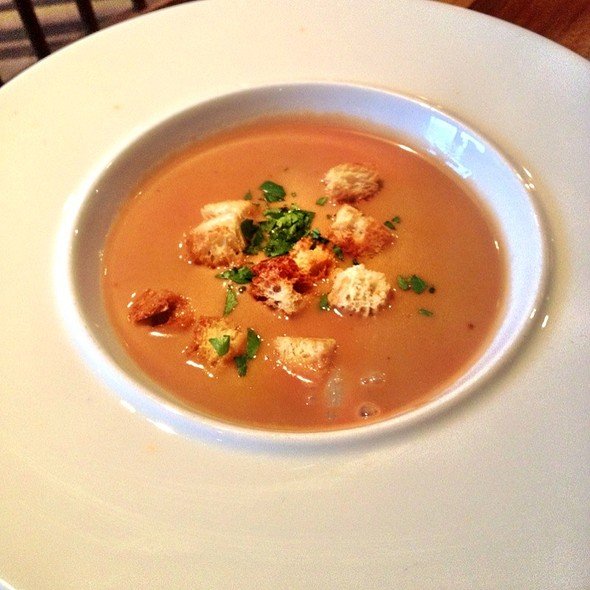 Lobster Bisque @ Moderne Barn