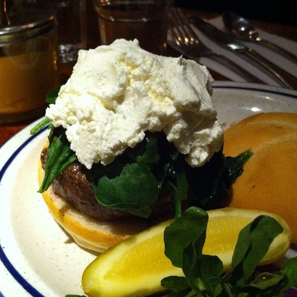 Goat Cheese And Spinach Burger @ Elephant & Castle