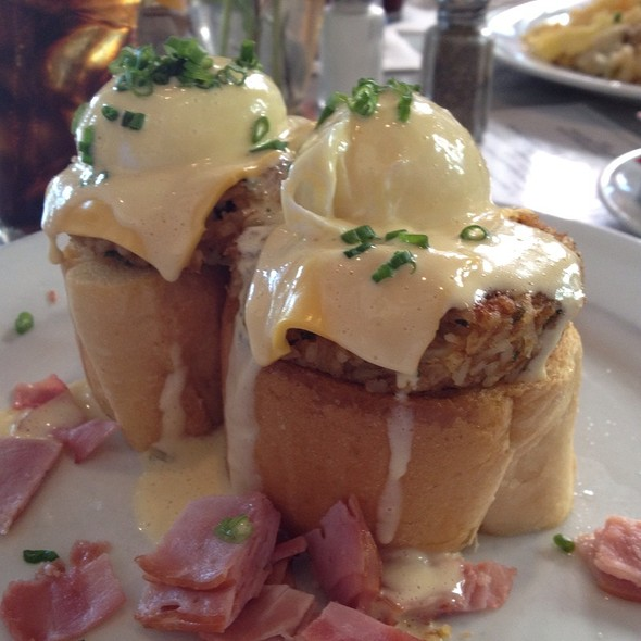 Beaux Bridge Benedict @ Stanley