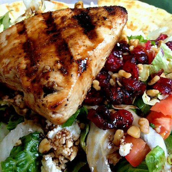 Grilled Blackened Tuna Salad