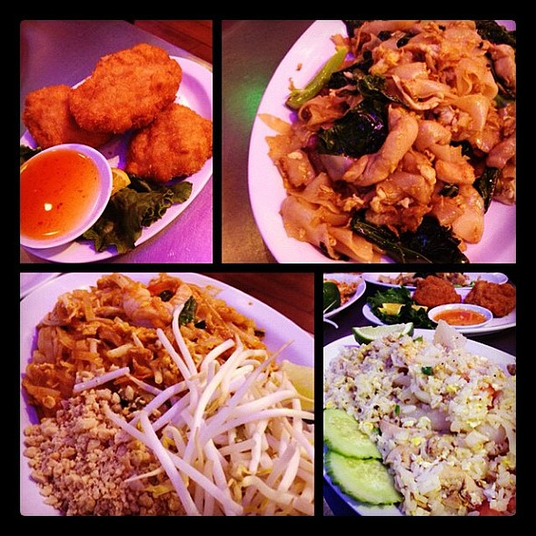 dinner with a bro @ Sanam Luang Cafe