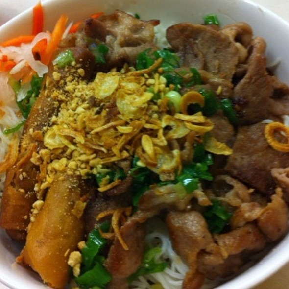 Grilled Pork Vermicelli With Spring Roll @ Pho 777