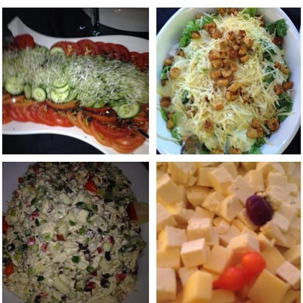 Saladas @ Oceania Hotel
