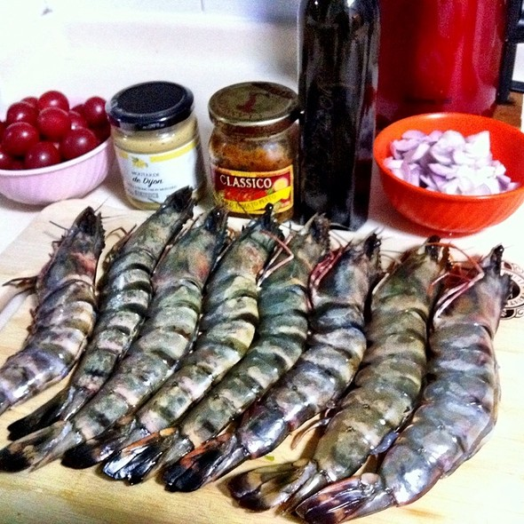 Fresh Jumbo Black Tiger Shrimp & Ingredients @ Tom's Kitchen