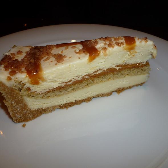 Dulce de Leche Cheesecake @ Ettingers Deli