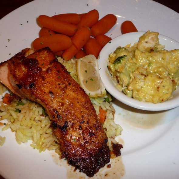 Grilled Atlantic Salmon @ Cheddars