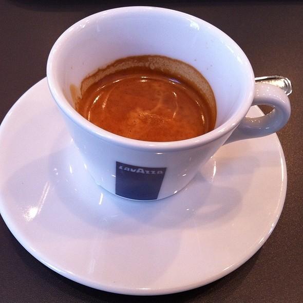 doppio espresso @ LAVAZZA 原宿店