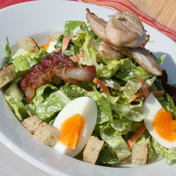 Insalata di cesare con pollo @ NajVacPalac - Summer Restaurant Bar