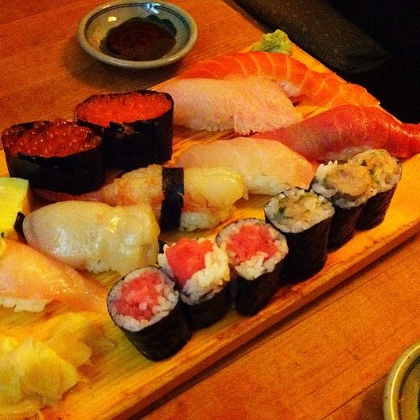 Sushi Deluxe @ Tomoe Sushi