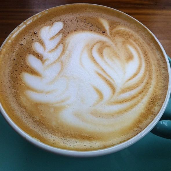 Cafe Latte - Le Chien Fumant, Montréal, QC