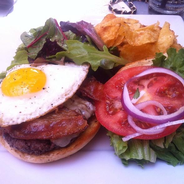 Evan's Farm Brunch Burger (Close Up) @ Bolsa