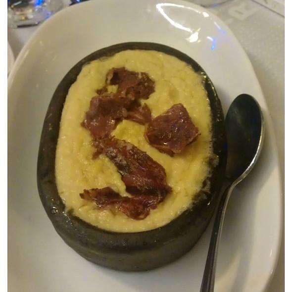 Pastirmali Hummus
