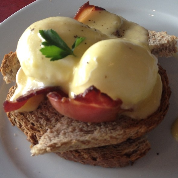Eggs Benedict @ Slice Sussex
