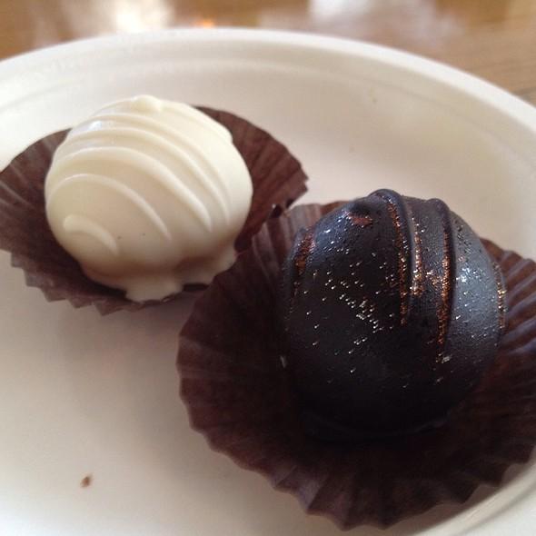 Chocolate Balls @ Bolsa Mercado