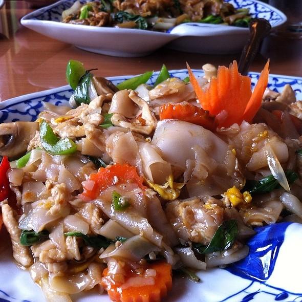 Pad Kee Mao @ Thai Noon