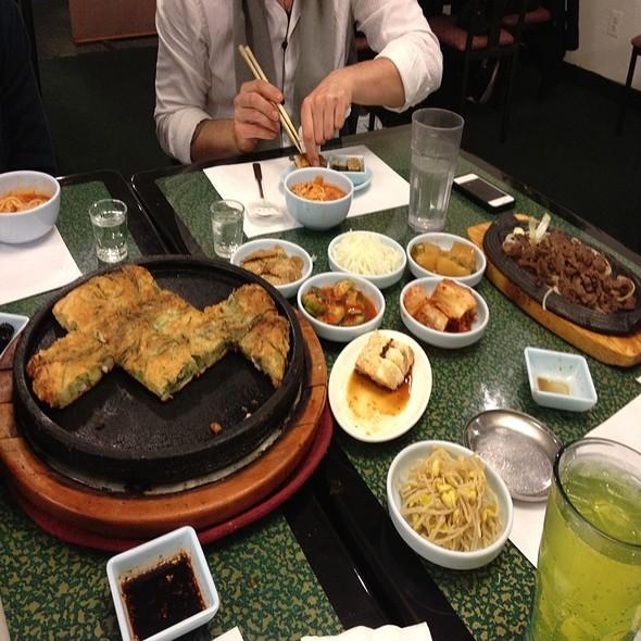 I Love Koreannnnn Food! @ Youngs Korean Restaurant