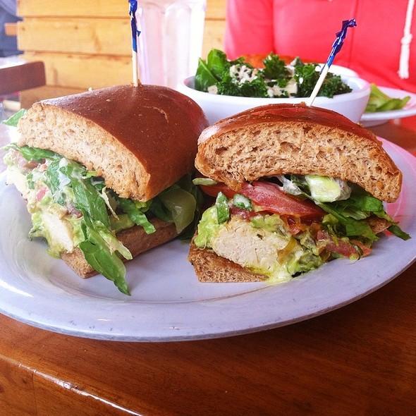 Grillin' Chickin' Sandwich @ The Veggie Grill