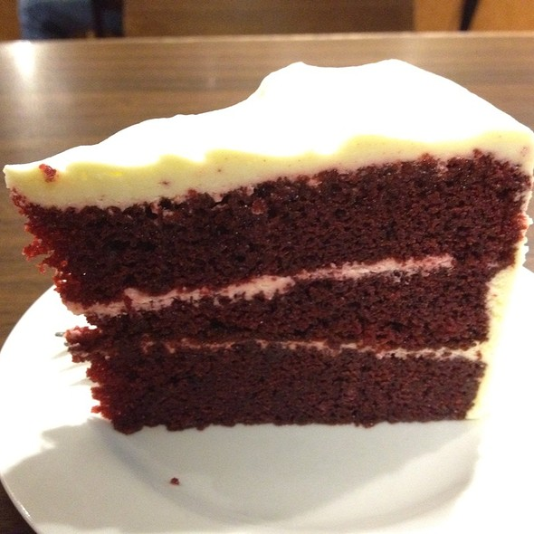 Red Velvet Cake @ The Coffee Bean @ Changi T2