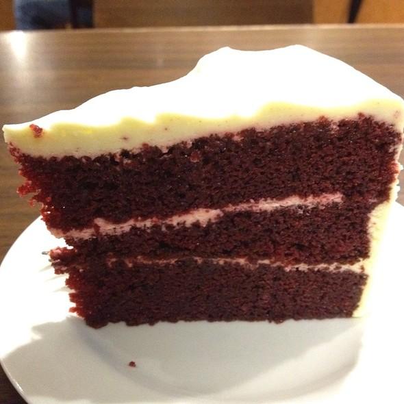 Red Velvet Cake @ The Coffee Bean @ Changi T2