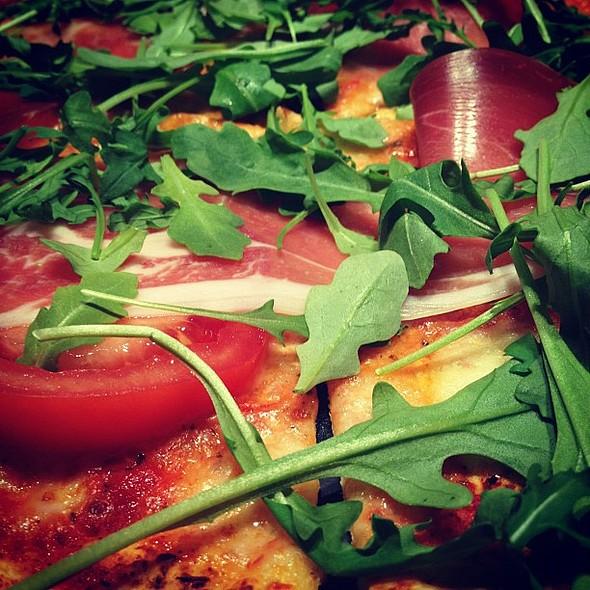 #pizza  #pizzahut #italian @ Pizza Hut
