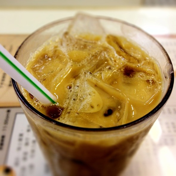 HK Iced Milk Tea @ 瑞士咖啡室Swiss Cafe