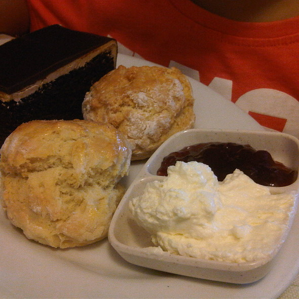 Scones @ The Teapot Cafe