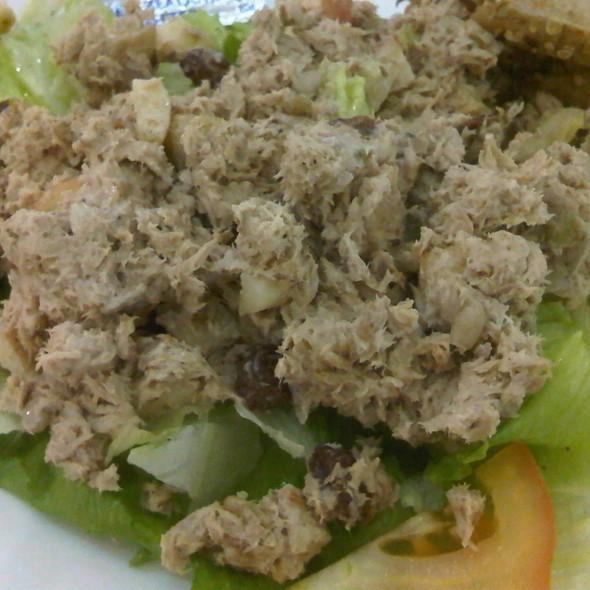 Tuna Salad @ Le Passione Cafe