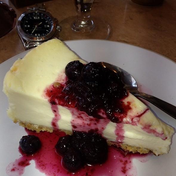 Marscapone Cheesecake @ Bella Italia