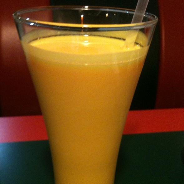 mango lassi @ Bombay Bazaar