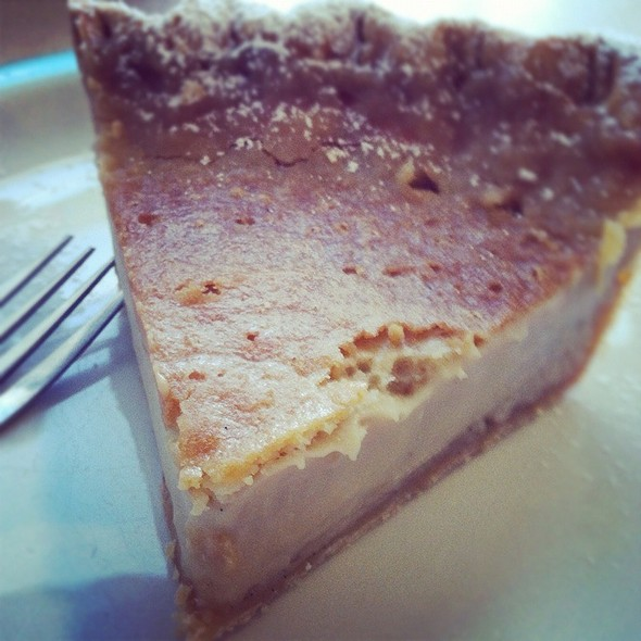 Hoosier Sugar Cream Pie @ Hoosier Mama Pie Company