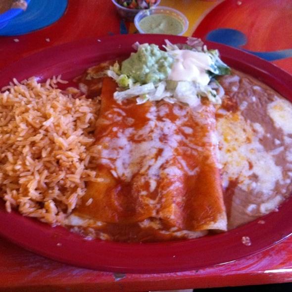 Enchiladas Rancheras @ Salsa & Beer