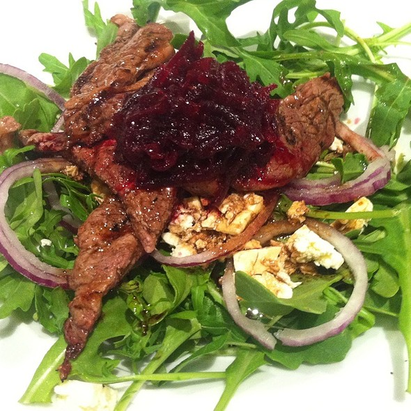 Fillet Steak Salad With Beetroot Relish @ Grill'd