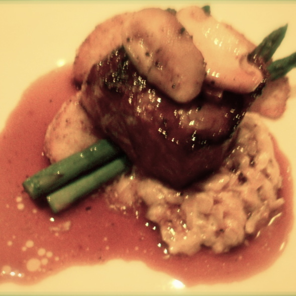 Strip loin with chanterelle mushrooms, salted potatoes, and grilled asparagus @ Madison's Grill