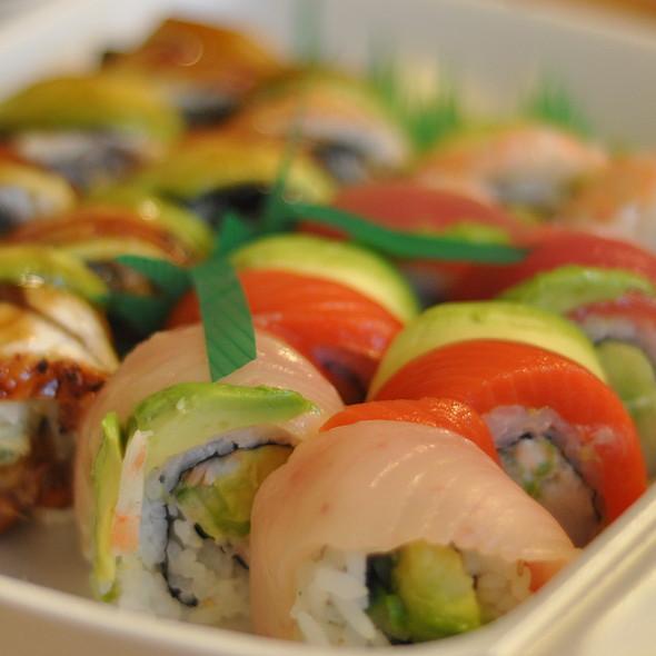 Rainbow Roll @ Tokyo Thyme