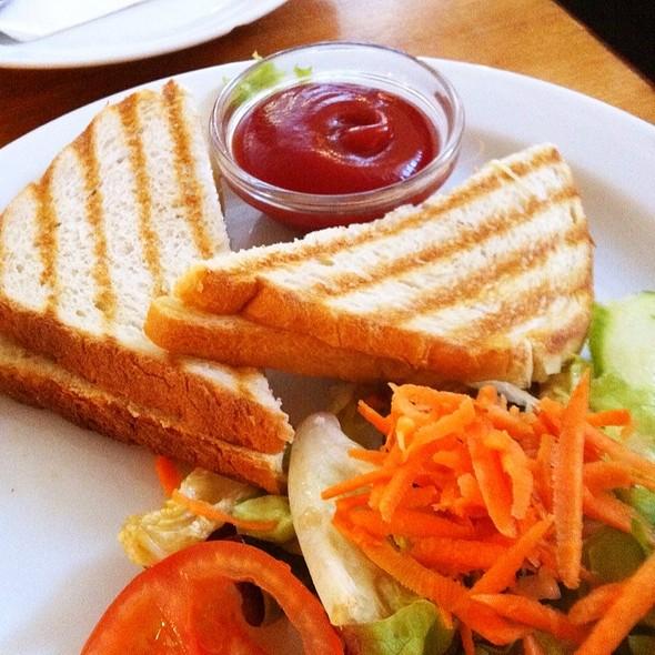 Toast Mit Kasa (Grilled Cheese) @ Kantine