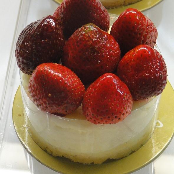 strawberry shortcake @ Bizu Patisserie